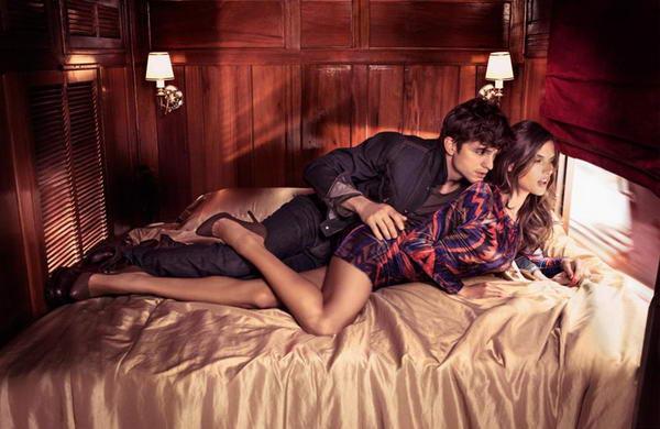 Эштон Кутчер и Алессандра Амброзио в рекламной фотосессии для бренда Colcci