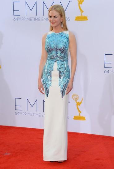 Самые лучшие наряды церемонии вручения Emmy за последние 10 лет