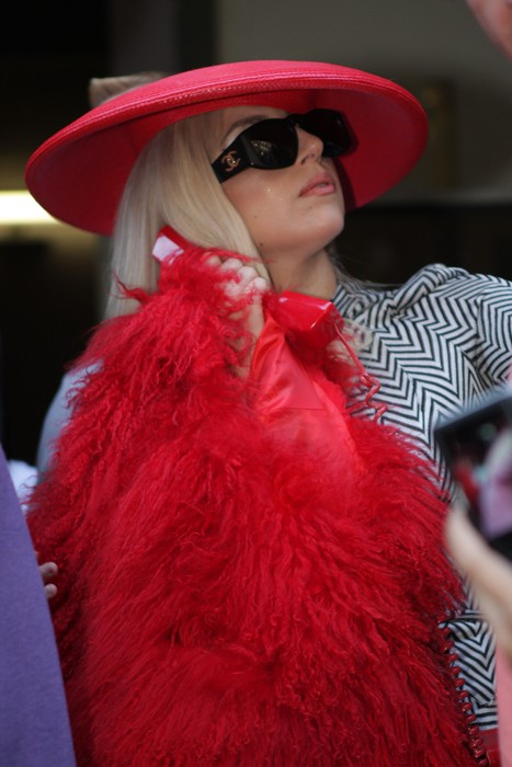 Lady Gaga с бойфрендом в Нью-Йорке