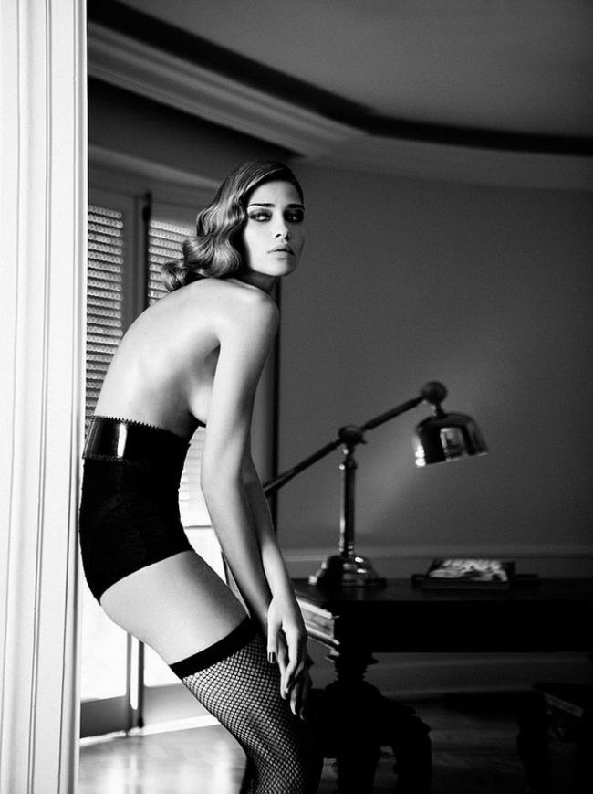 Ана Беатрис Баррос для Elle