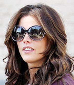 Эшли Грин и ее солнцезащитные очки