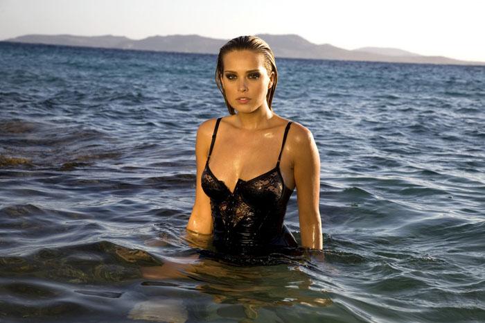 Онлайн обзор красивые девушки красивые девушки заходящие в воду.