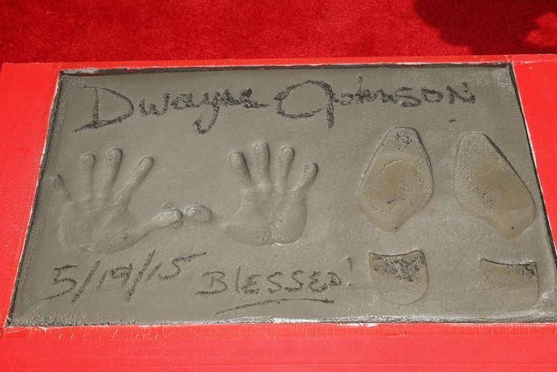 Отпечатки Дуэйна Джонсона в Голливуде