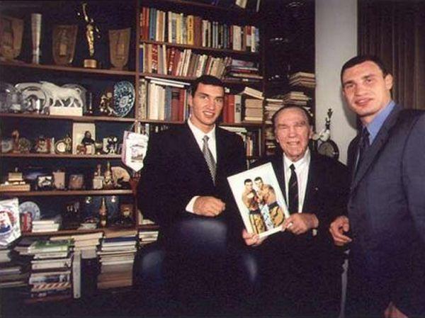 Братья Кличко и Макс Шмелинг, 1998 год