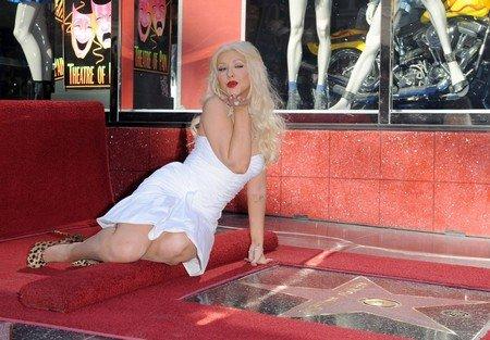 Кристина Агилера получила звезду на Аллее славы Голливуда