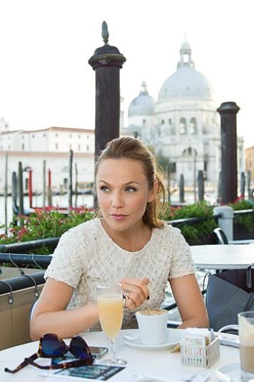 Фотосессия Альбины Джанабаевой в Венеции