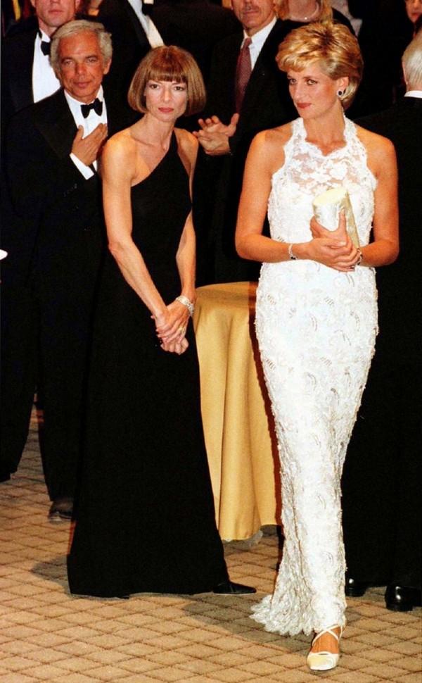 Анна Винтур и принцесса Диана на благотворительном вечере Центра исследования рака молочной железы, 1996 год