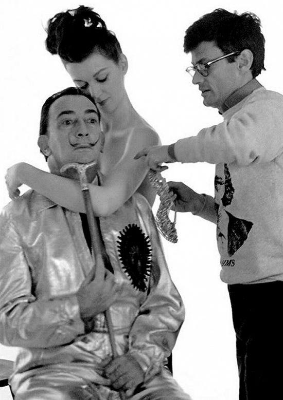 Сальвадор Дали и Довима фотографируются для обложки Harper's Bazaar, 1963 год