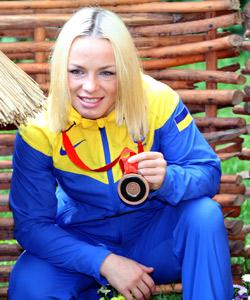 Недільний Євромайдан у Хмельницькому підтримала олімпійська чемпіонка Ірина Мерлені