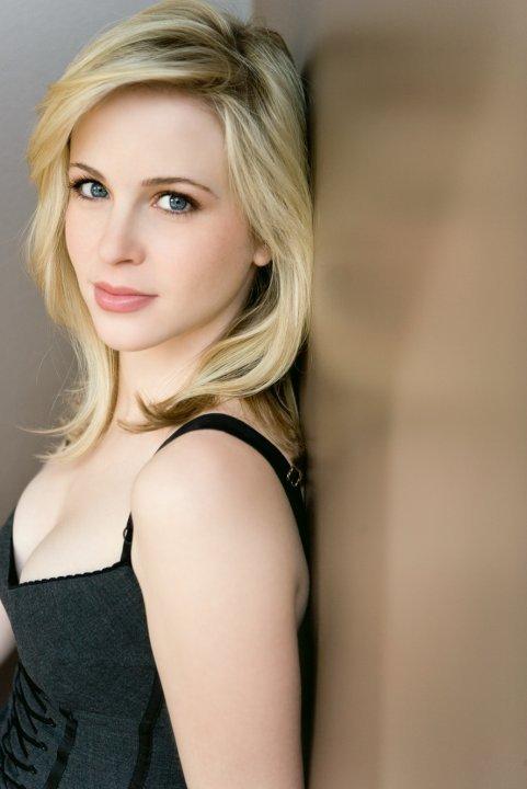 Эми Гаменик (Amy Gumenick)