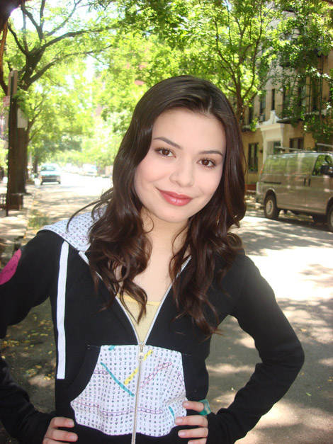 Миранда Косгроув (Miranda Cosgrove)