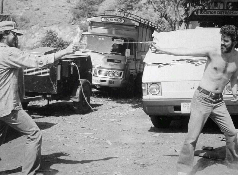 """Водная битва Стивена Спилберга и Джорджа Лукаса во время съемок фильма """"Индиана Джонс и Храм судьбы"""", 1983 год"""