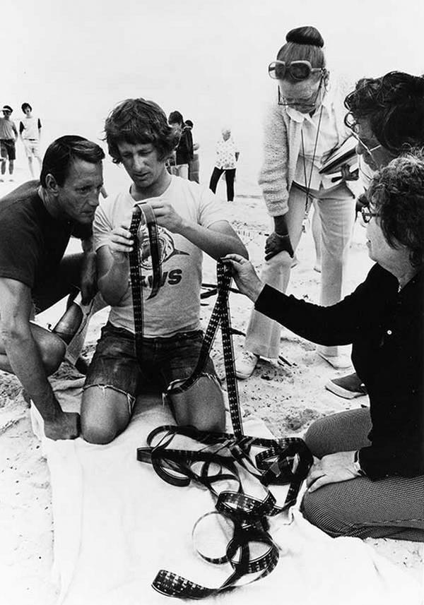 """Рой Шайдер и Стивен Спилберг на съемках фильма """"Челюсти"""", 1974 год"""
