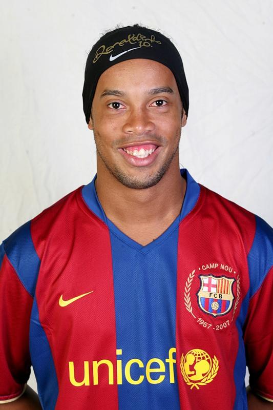 Роналдиньо (Ronaldinho) – Рональдо де Ассис Морейра (Ronaldo de Assis Moreira)
