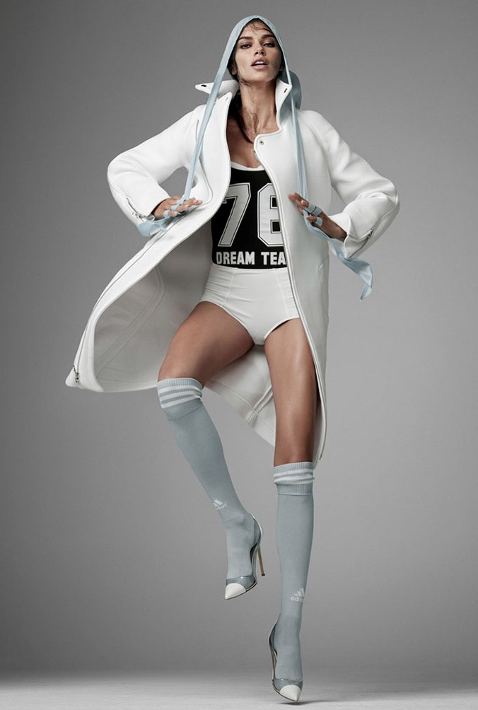 Адриана Лима в фотосессии Стивена Мейзела для журнала Vogue Italia, июнь 2014