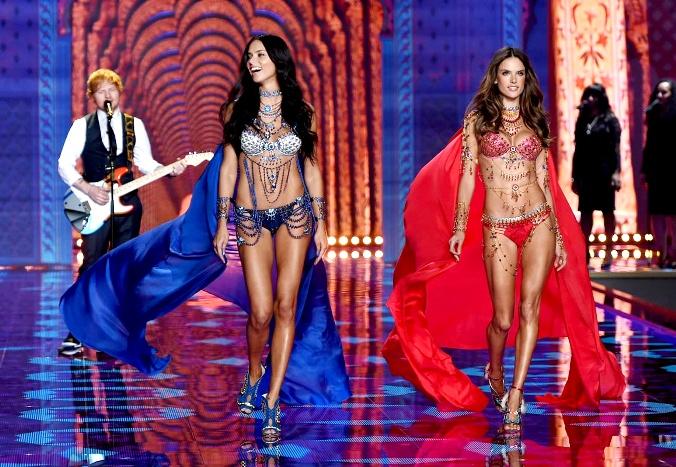 10 лучших выходов шоу Victoria's Secret-2014