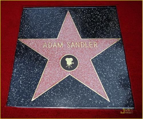 Адам Сэндлер получил звезду на Аллее Славы
