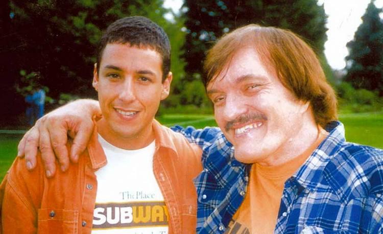 """Адам Сэндлер и Ричард Кил на съемках комедии """"Счастливчик ... адам сэндлер комедии"""