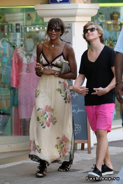 Наоми Кэмпбелл и ее уличный стиль