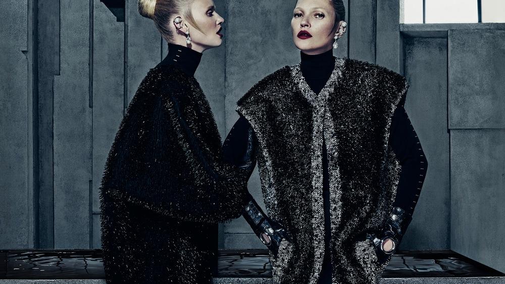 Кейт Мосс и Лара Стоун в рекламной кампании Balenciaga, осень/зима 2015/2016