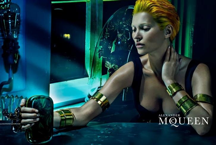Кейт Мосс в рекламной кампании бренда Alexander McQueen Весна/Лето 2014