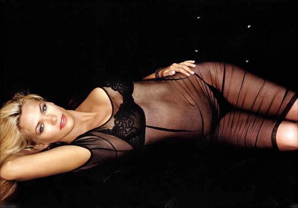 Наташа Хенстридж (Natasha Henstridge)
