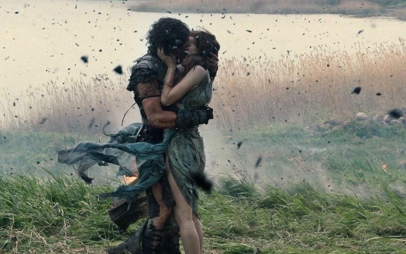 Лучшие поцелуи из фильмов 2014 года