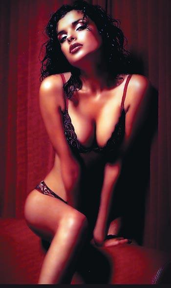 Голая Анна Нетребко на эротических фото  Знаменитые и