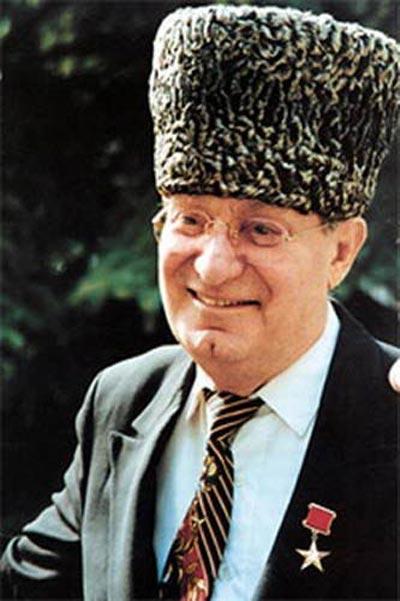 Махмуд Эсамбаев (Mahmud Esambaev)