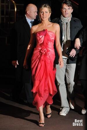 Платья Дженнифер Энистон на красных дорожках