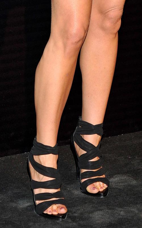 Звездная обувь Дженнифер Энистон