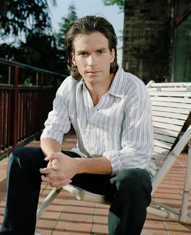 Сантьяго Кабрера (Santiago Cabrera)