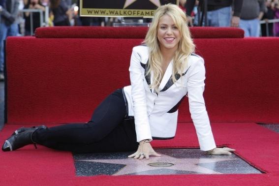 Звезда Шакиры на Аллее славы в Голливуде
