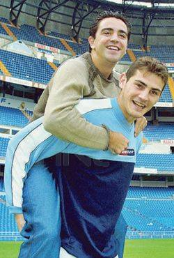 Хави и Икер Касильяс: дружба, объединяющая всю Испанию
