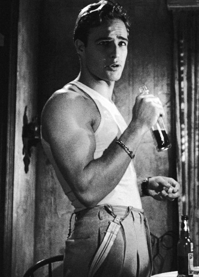 """Марлон Брандо в фильме """"Трамвай Желание"""", 1951 год"""