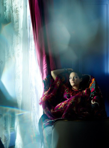 Марион Котийяр в романтической фотосессии