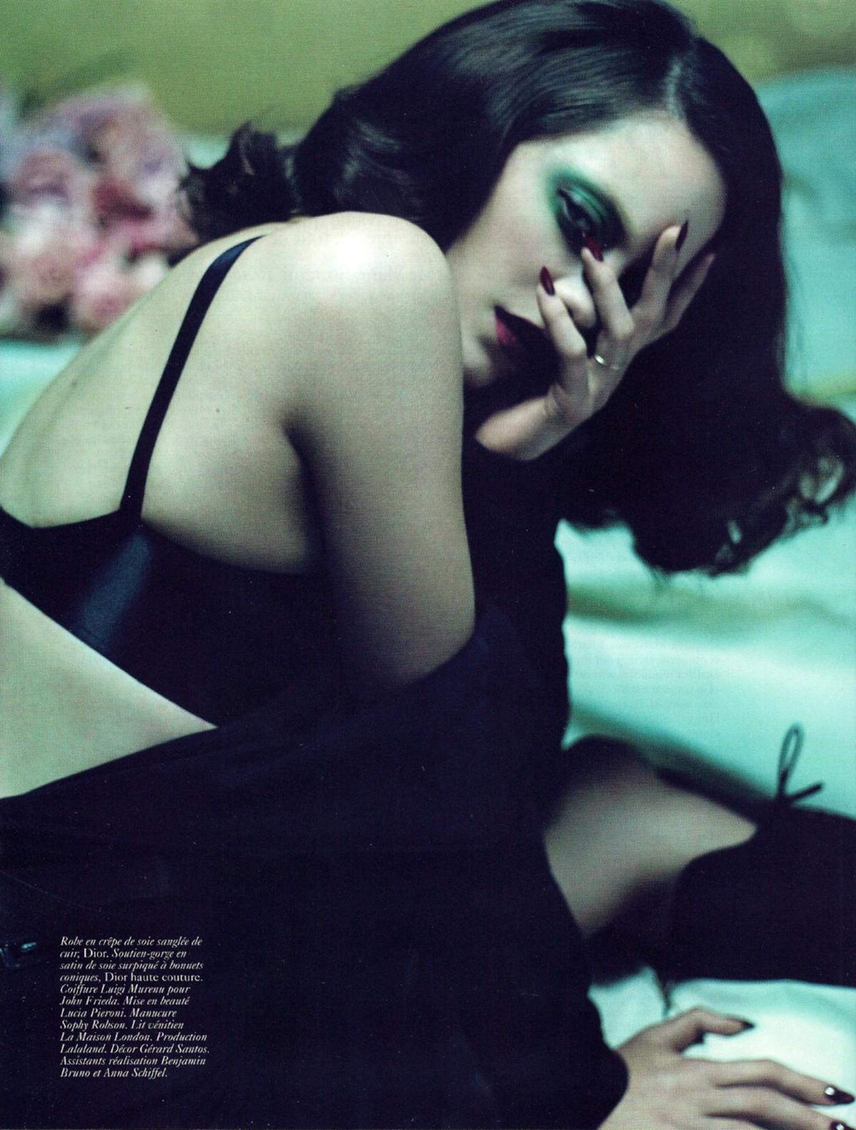 Марион Котийяр для Vogue Paris