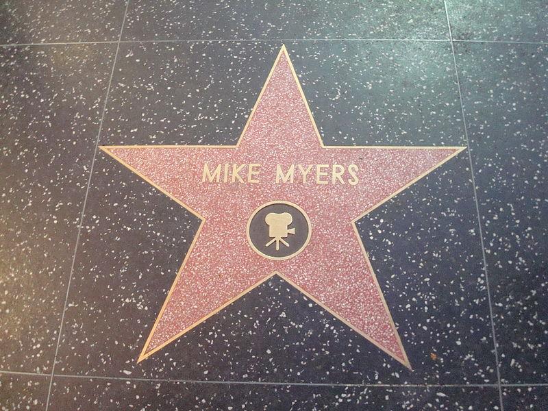 Звезда Майка Майерса на голливудской Аллее славы