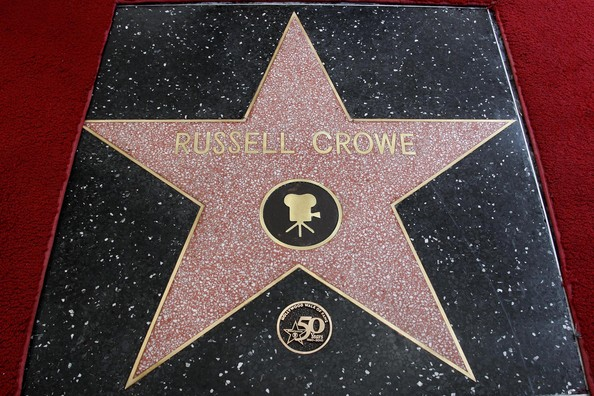 Звезда Рассела Кроу на алее славы