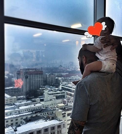 Дочь Алены Шишковой и Тимати