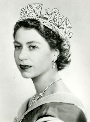 Елизавета II (Elizabeth II) – Елизавета Александра Мария Виндзор (Elizabeth Alexandra Mary Windsor)