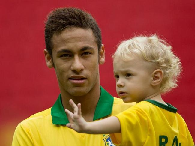 Неймар и его сын