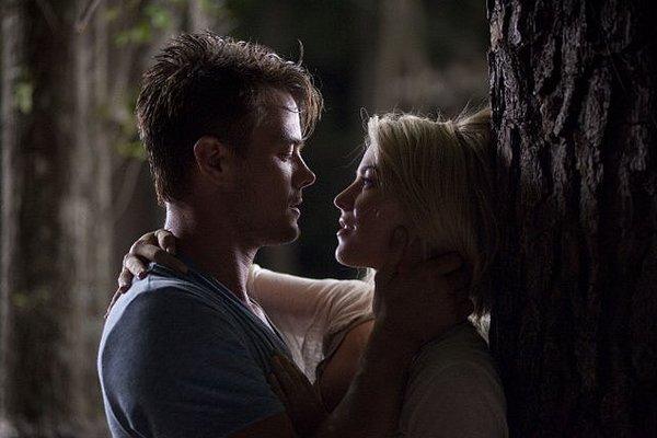 Лучшие поцелуи из фильмов 2013 года