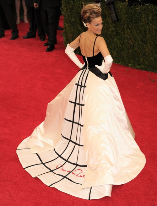 Десятка роскошных звездных платьев от Оскара де ла Рента