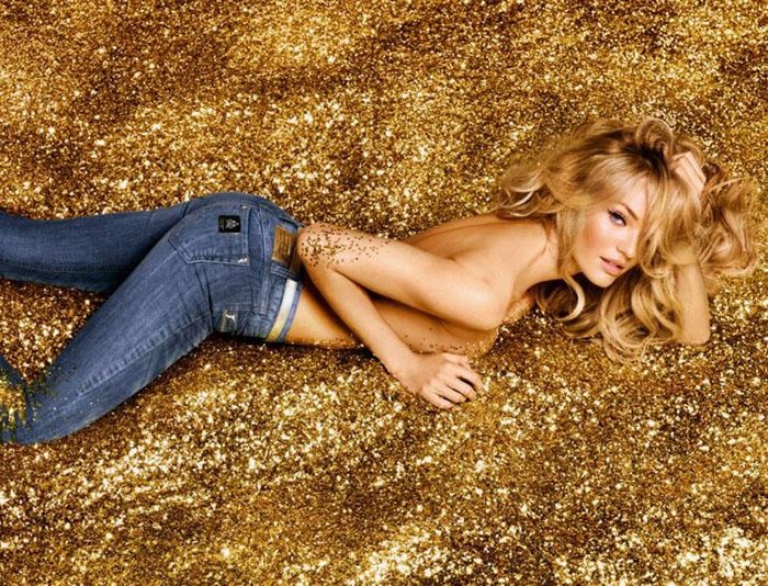 Кэндис Свейнпол для рекламы джинсов Colcci