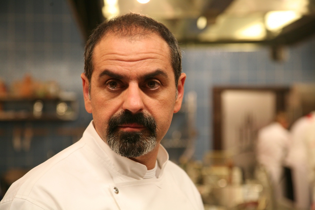 Арам  Мнацаканов (Aram Mnatsakanov)