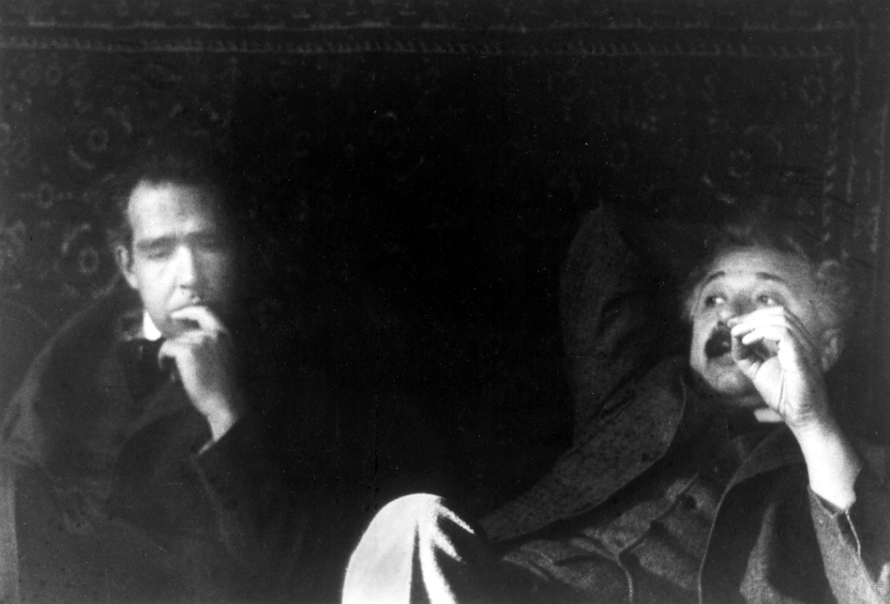 Нильс Бор и Альберт Эйнштейн, 1925 год