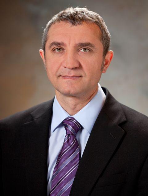 Руслан Меджитов (Ruslan Medzhitov)