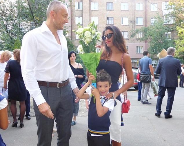 Муж Санты Димопулос