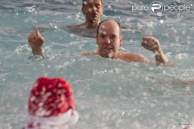 Принц Альберт на традиционных купаниях в Монако